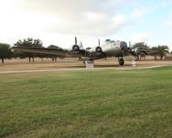 B-17 sn 44-83512